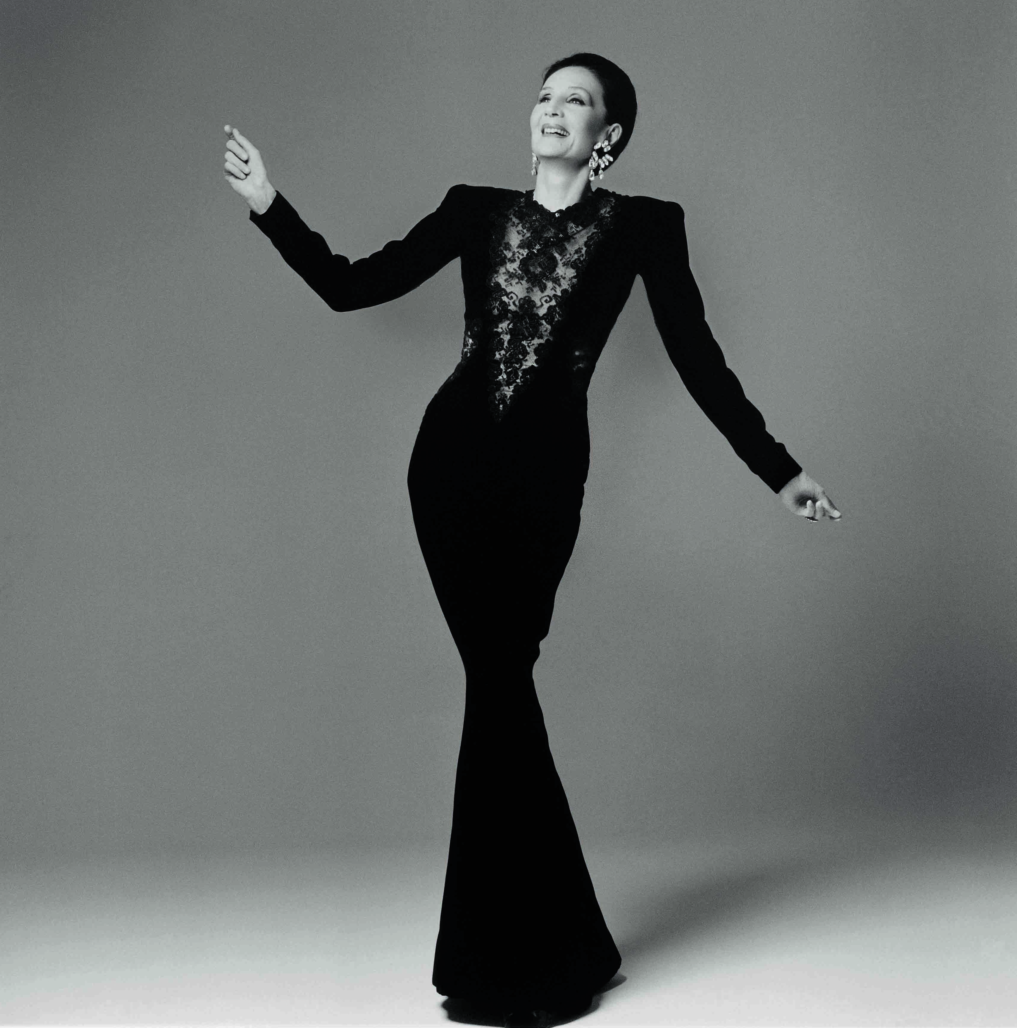 Jacqueline de Ribes in her own design, 1986. Courtesy of The Metropolitan Museum of Art, Photograph by Francesco Scavullo,