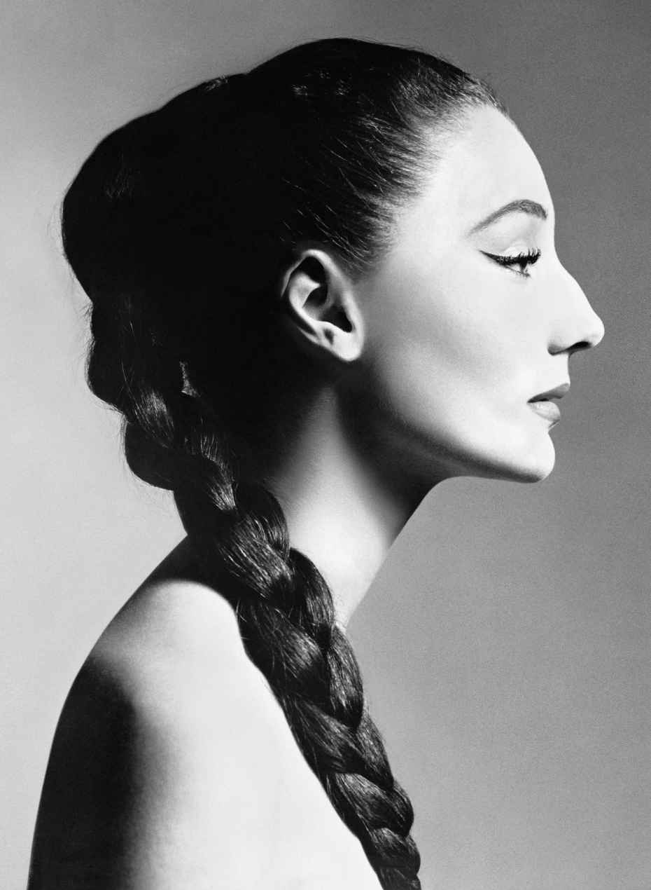 Jacqueline de Ribes, 1955 | Photo: Richard Avedon | © The Richard Avedon Foundation, Courtesy of The Metropolitan Museum of Art |