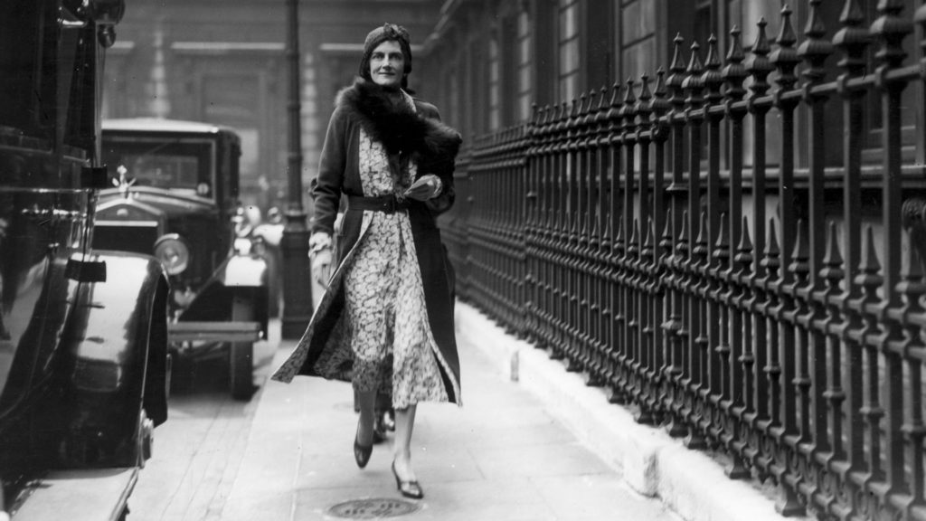 Clementine Churchill outside the Royal Academy in Piccadilly, London. (Credit: W. G. Phillips/Topical Press Agency/Getty Images)