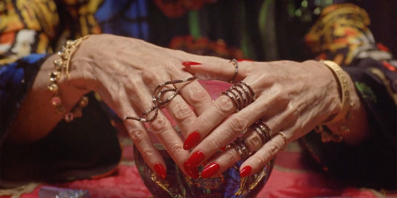 gucci-fortune-teller-hands-page-2018