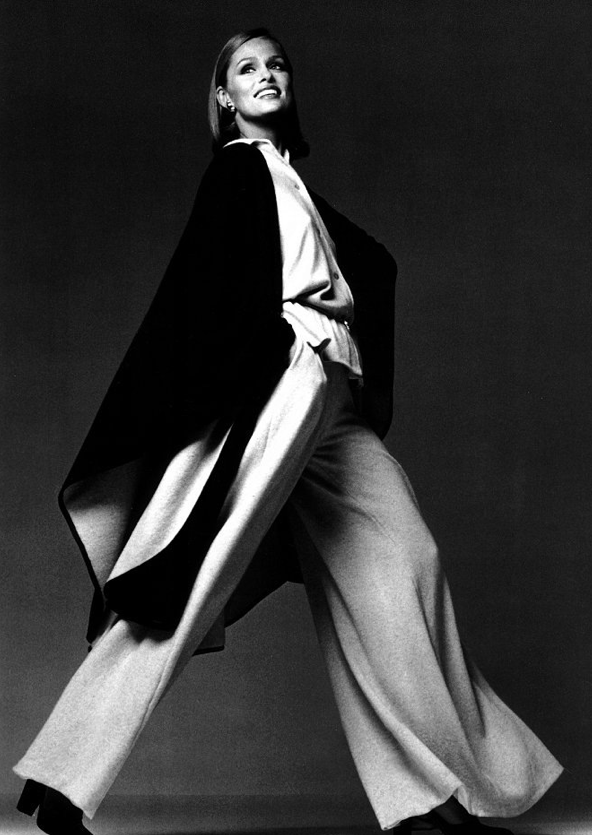 Lauren Hutton; Photo: Francesco Scavullo; 1975